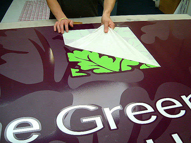 Sign Efex Ltd. Sign makers - Cut vinyl lettering application